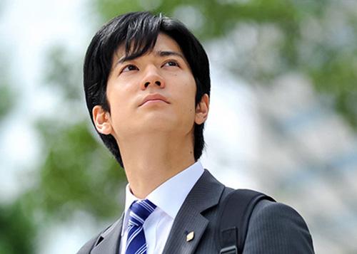 【動画】月9ドラマ『SUITS/スーツ』のキャストやあらすじ・主題歌は?
