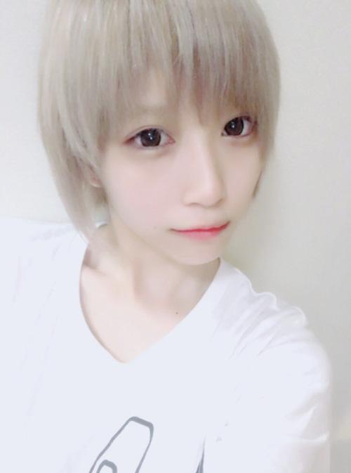 【画像】ReoNaはコスプレイヤーれおぺこ!すっぴんもかわいい?