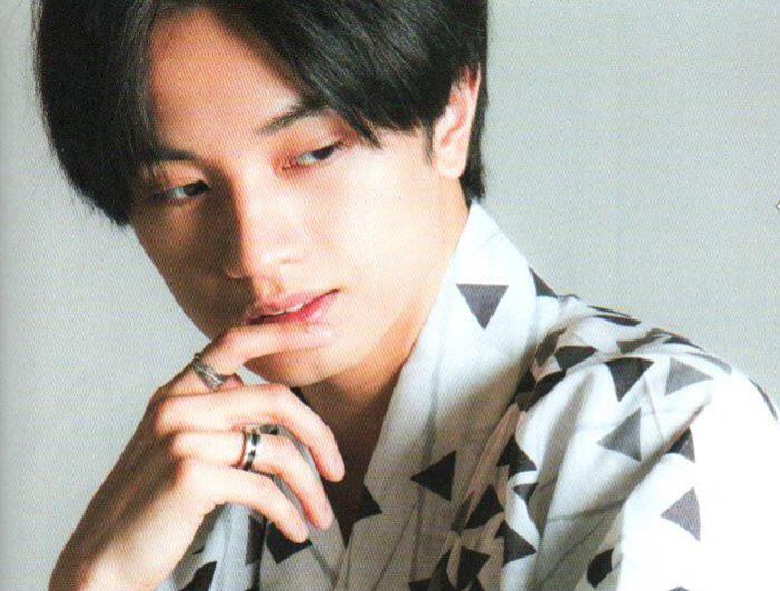 【画像】中島健人が薬指に指輪をつけるのはなぜ?彼女との匂わせか?