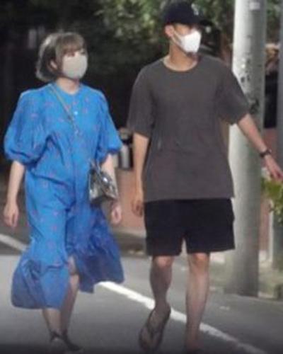 きゃりーぱみゅぱみゅと葉山奨之のデート画像 ② お散歩デート